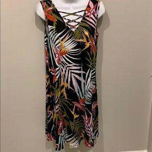 Cotton tropical-floral dress that has a v-neck